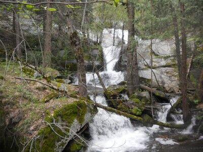 Cascade Falls near Crystal Cave
