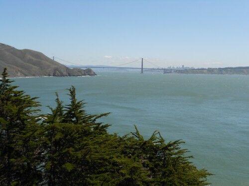 point bonita lighthouse trail Golden gate bridge